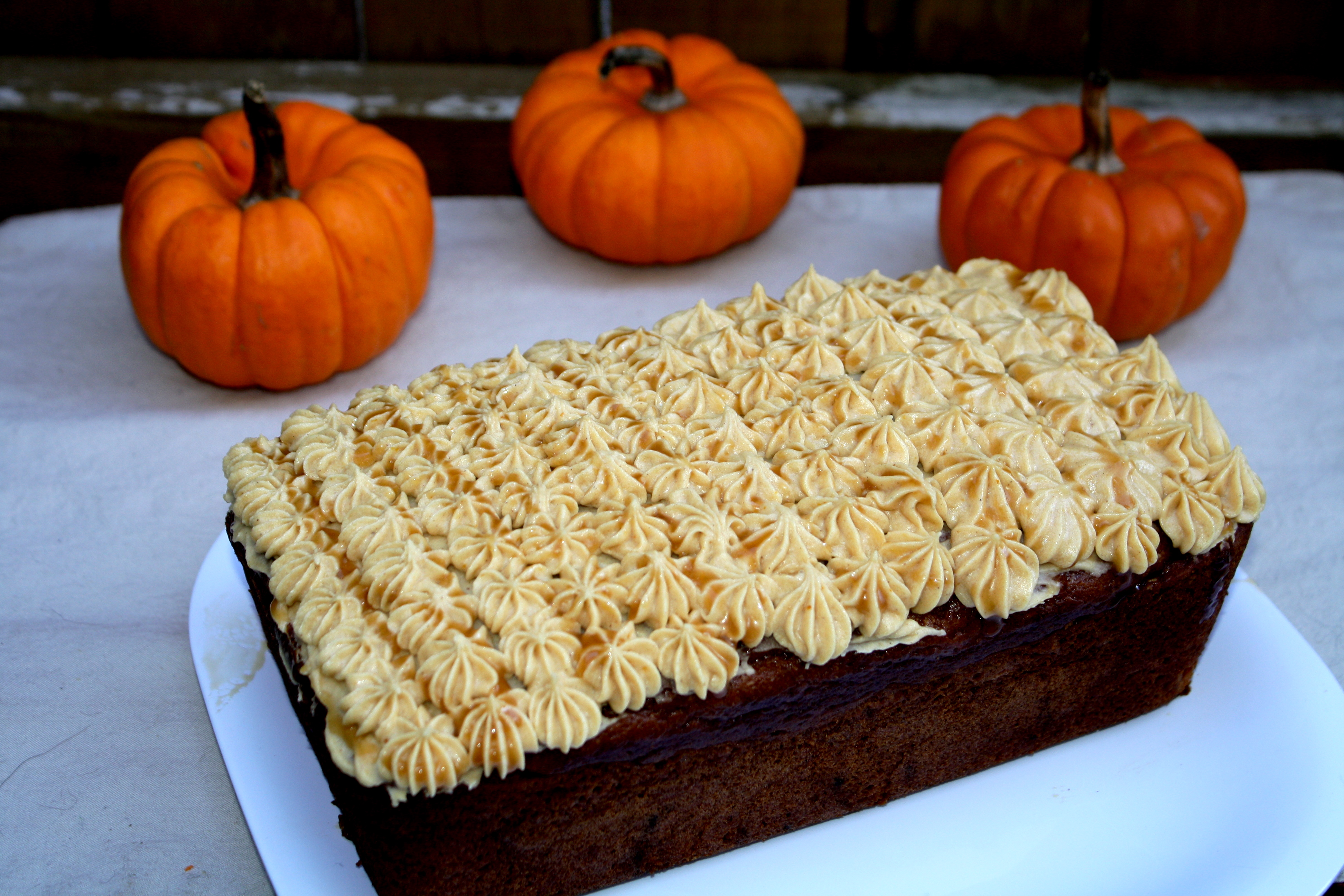 Pumpkin Spice Loaf Cake with Pumpkin Buttercream Frosting | The ...